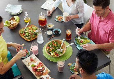 Cozinhar na quarentena ajuda a deixar o dia a dia da família mais saudável da família mais saudável
